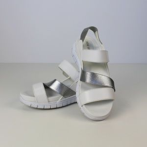Nine West Hillard Sandal, white/silver, Sz 11 us